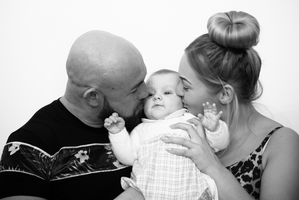 Kisses with Mum & Dad, Carlisle baby photographer