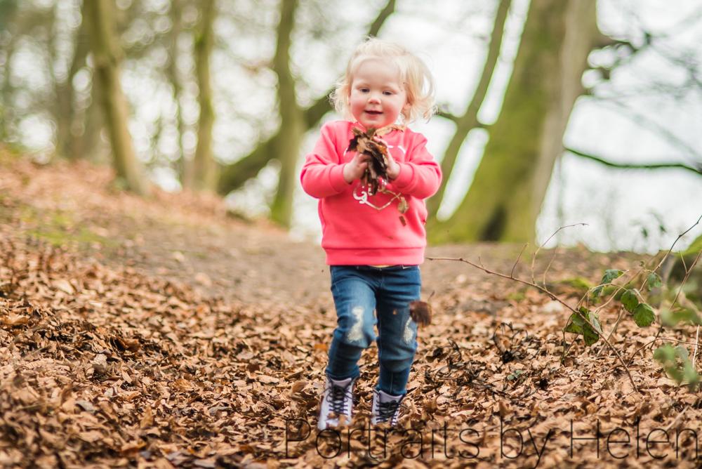 Darcy throwing leaves, Talkin Tarn photographers