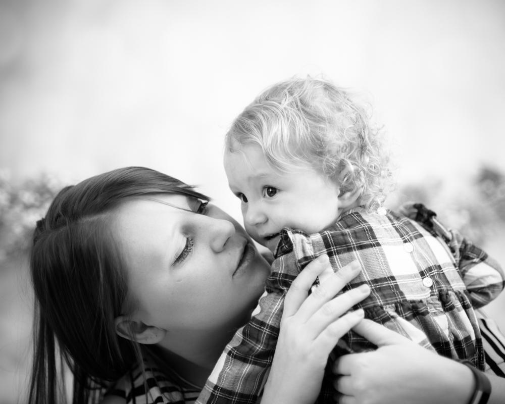 Kisses with Mum, Carlisle photographers