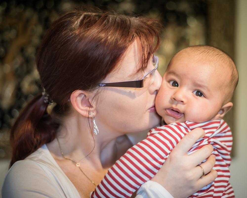 Mama kisses, newborn photographer Cockermouth