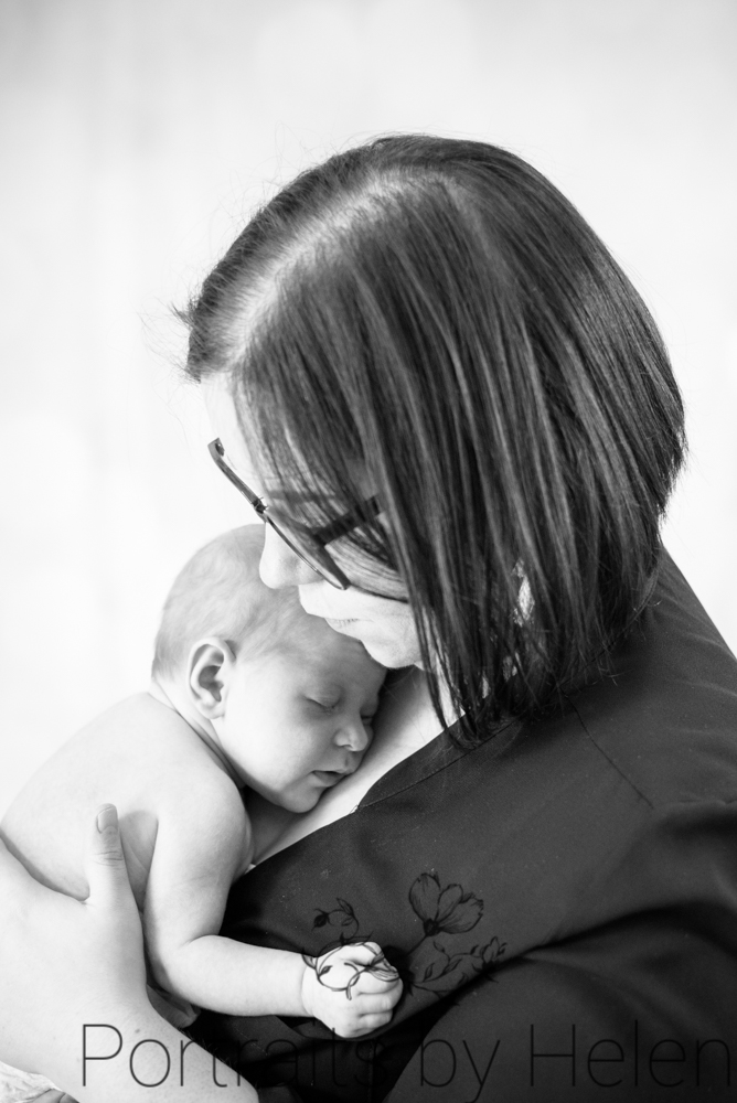 Mum and baby cuddles, baby photographer Cockermouth