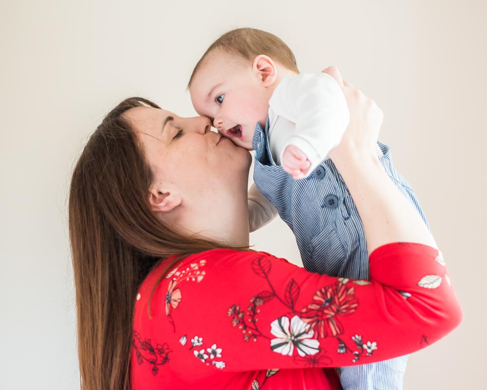 Mama kisses, baby photographer Maryport