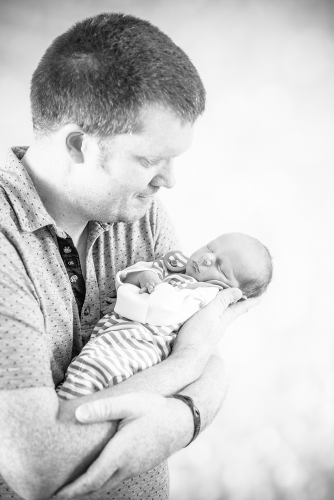 Dad and baby cuddle, Maryport baby photographer