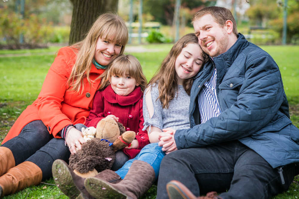 Family cuddles, Sheffield photographers