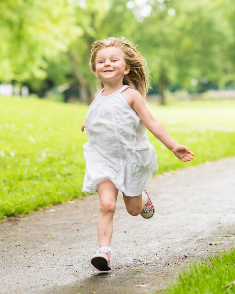 Katie running, Carlisle family portraits in Bitts Park