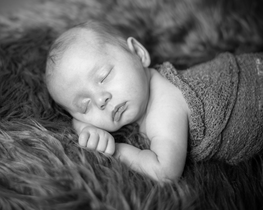 Sleepy baby pose, newborn portraits Carlisle