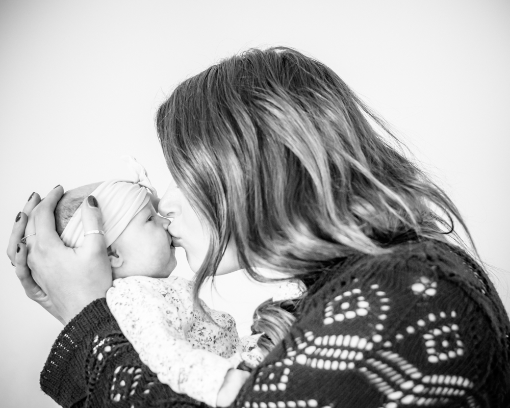 Kisses from Mama, baby photographer Workington